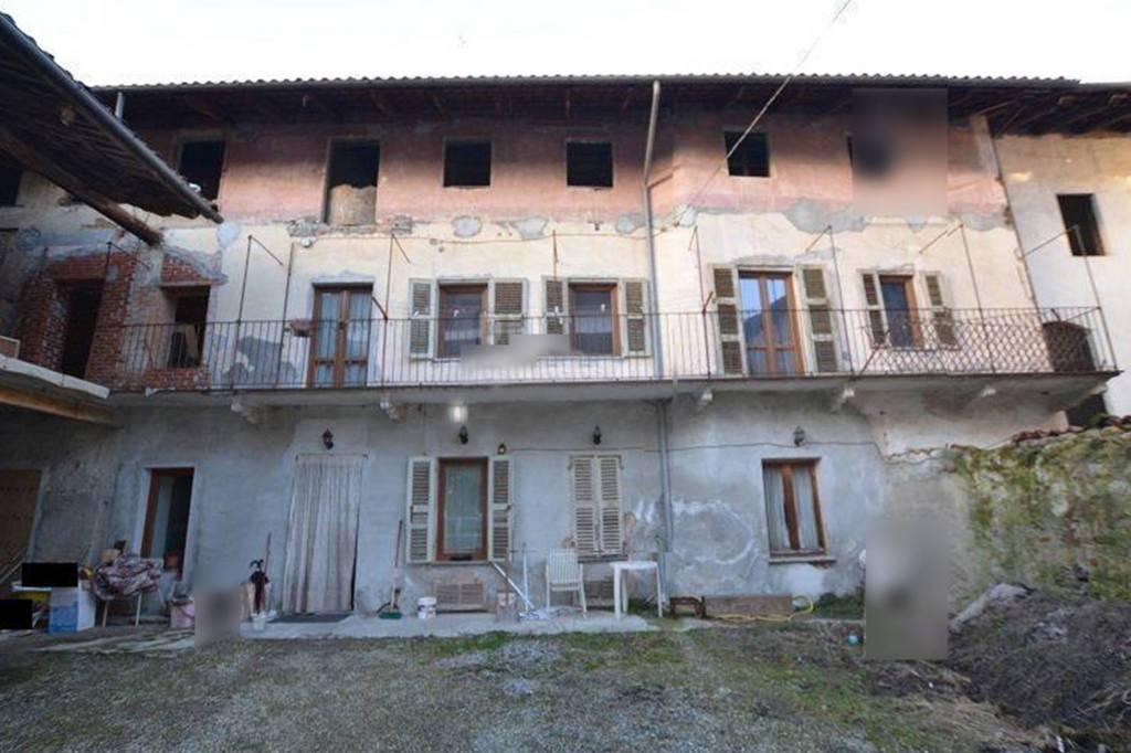 Foto 1 di Rustico / Casale piazza Regina Margherita 8, Borgomasino