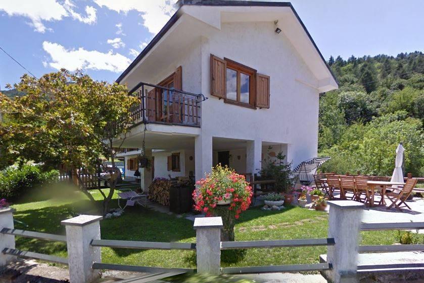 Foto 1 di Villa via Europa 18, Gravere