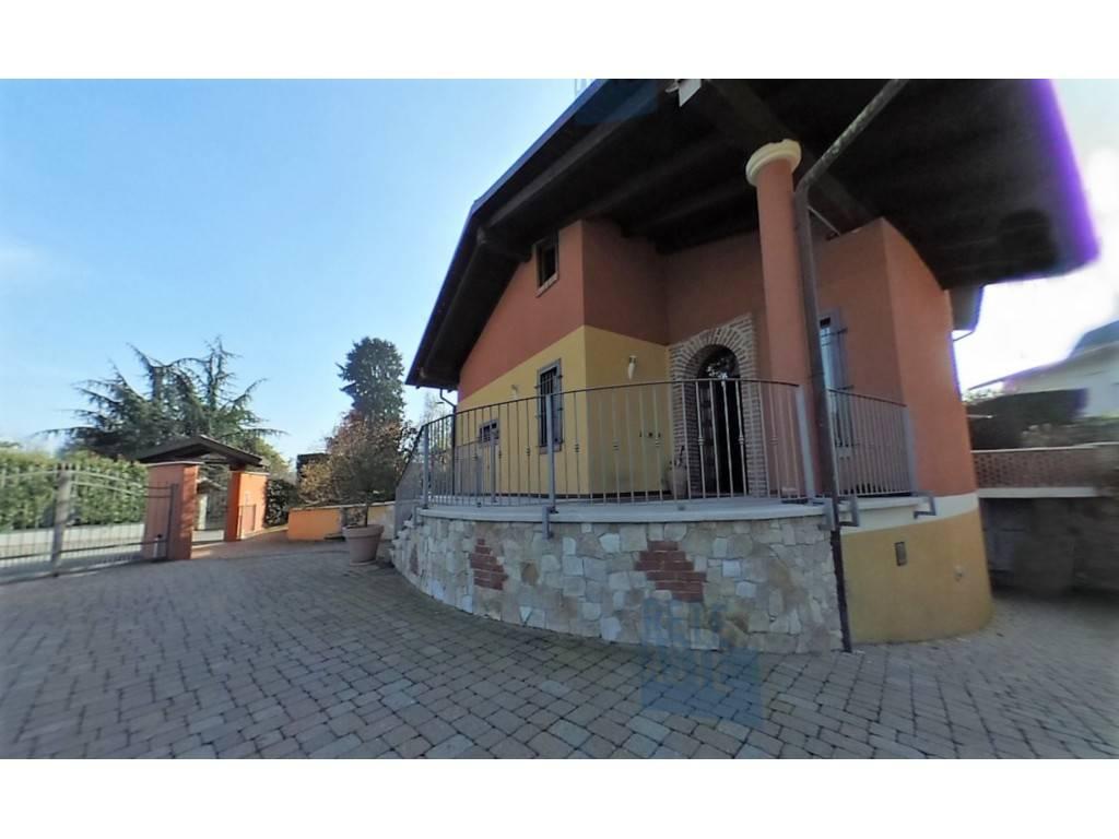 Foto 1 di Villa via Aldo Moro 1, Pertusio
