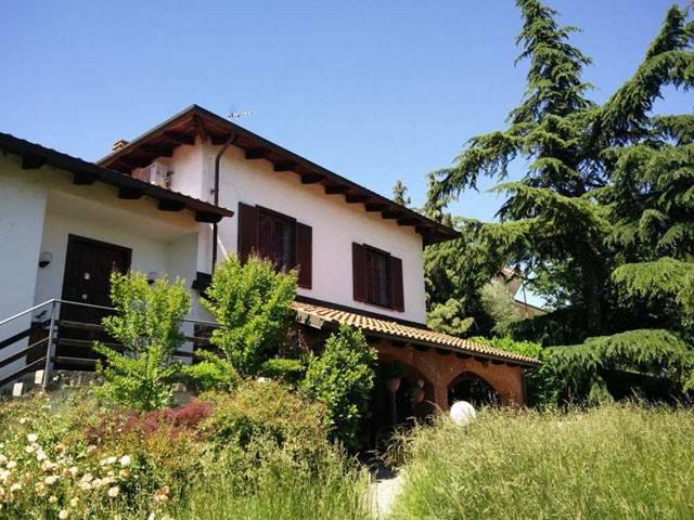 Foto 1 di Villa strada per Montecastello, Pietra Marazzi