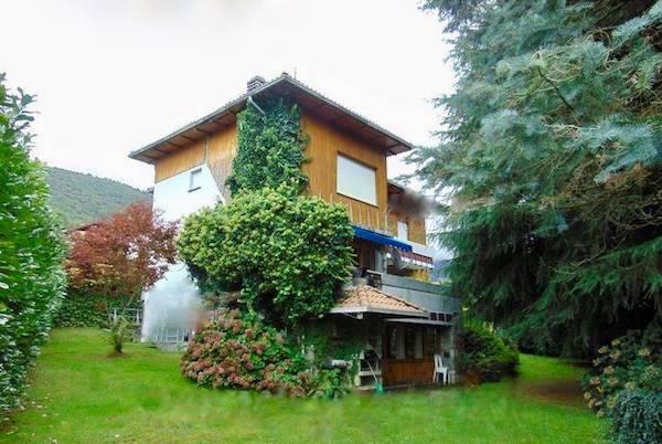 Foto 1 di Villa via per Agrano 81, Omegna